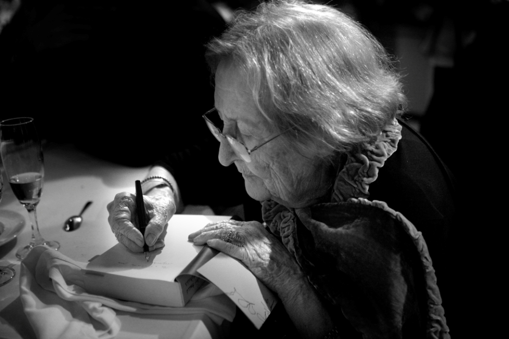 Poemes d'amor. Antologia, Montserrat Abelló, Vinyet Panyella, prol. (Editorial Denes, 2010)